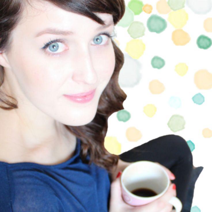 Gestatten Ella, Organisationsknalltüt, Make-up-Freak mit Hippieherz. Auf meinem Kanal beschäftige ich mich mit den Themen Beauty und Lifestlye. Wenn Ihr Lust...