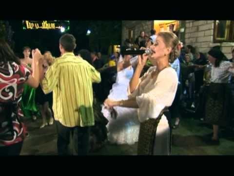 Emilia Ghinescu   Ce te bucuri mai mireasa