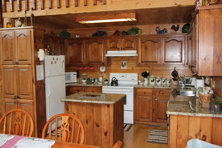 Cute country kitchen one of the favorite rooms in the for Cute country kitchen ideas