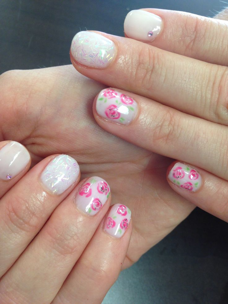 Cnd shellac with pink roses !
