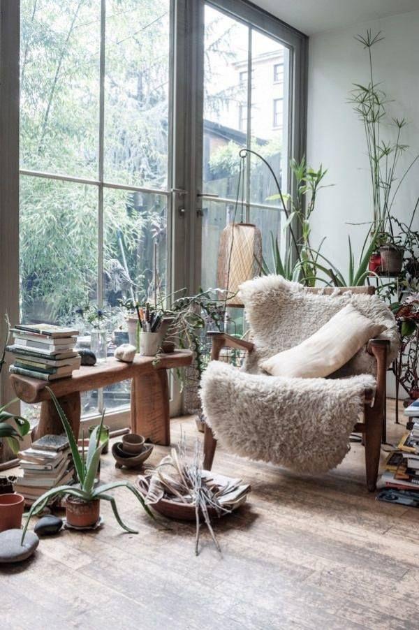 wintergarten möbel landhausstil Rustikal Stuhl-Beistelltisch Regal-Fell Decke-Verglasung