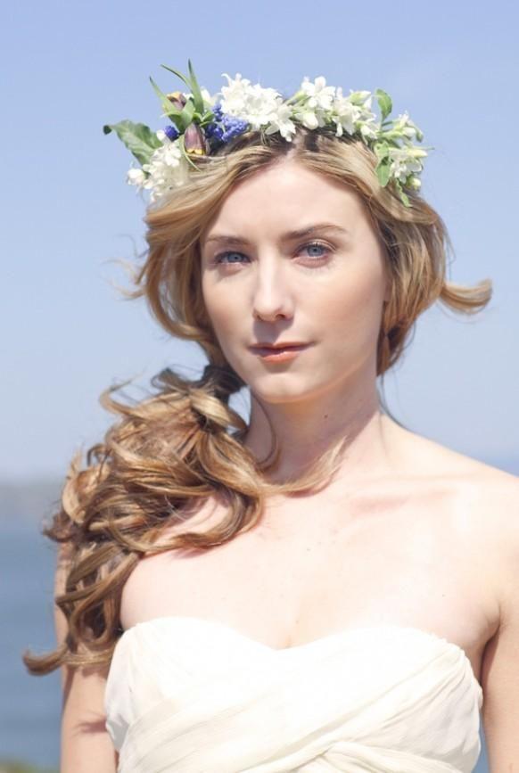 Gorgeous Messy Side Ponytail Wedding Hair  - Weddbook