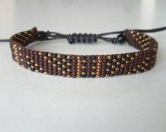 For this bracelet I used Japanese Miyuki seed beads (size 11/0) and made an adjustable closure of waxed cord, so its easy to adjust the bracelet to