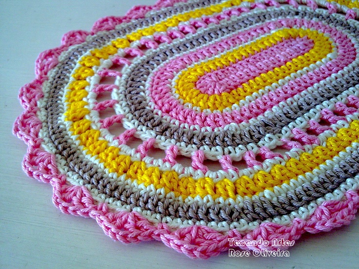 doily or rug, I like the different rows that were used