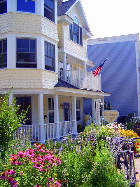 Cottage Inn Bed & Breakfast / Mackinac Island