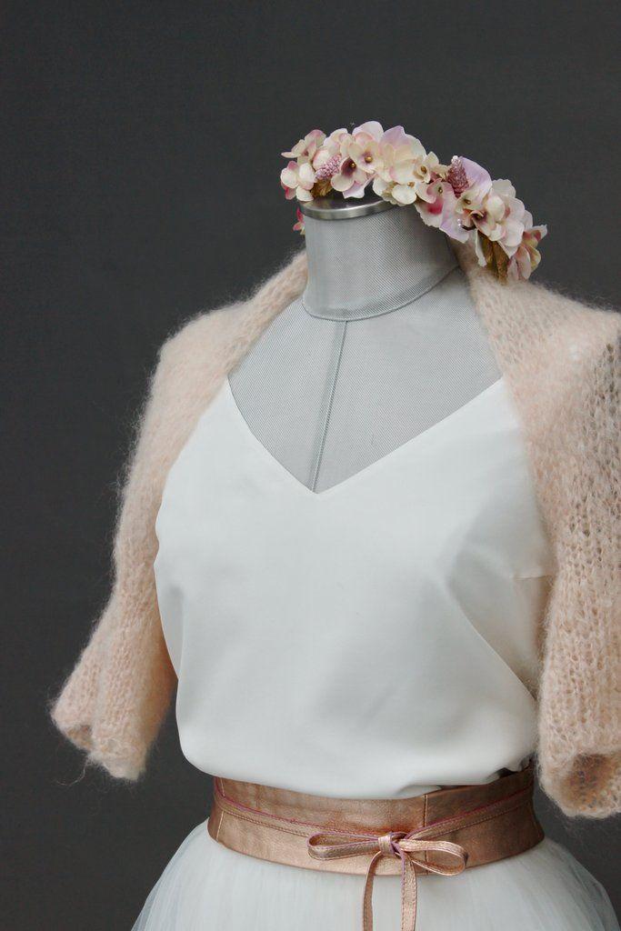 Brautjacke Strickjacke In Rosa Love Is All Around Brautjacke Hochzeitskleid Jacke Brautkleid Jacken
