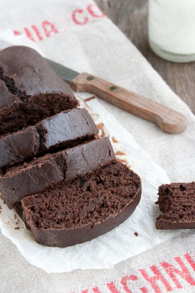 Light choc cake (without oil, without butter, without milk, without eggs!)