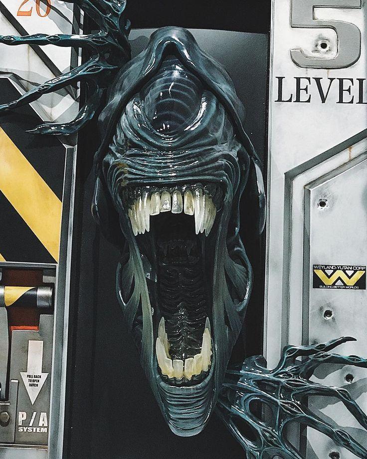 Alien on Comic Con