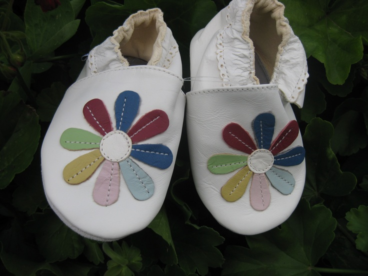 Daisies  #leather #babyshoes #TwoSoles