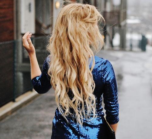 Loonnng curly hair!