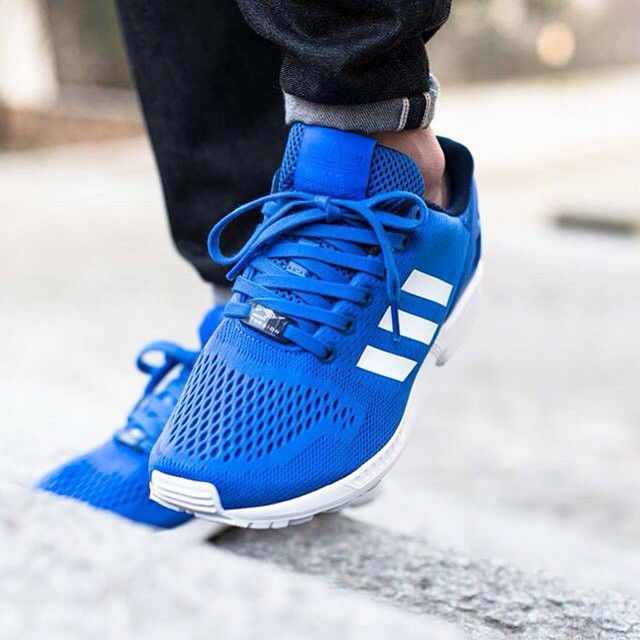 Adidas ZX Flux 'Blue'🔵⚪️Cop or Drop? (📷@titoloshop) Check sneakersaddict.com for more details concerning this pair! #sneakersaddict#release##ZXflux#dope#sneakers#shoeporn#rare footage#airmaxalways#nike#adidas#asics#reebok#saucony#igsneakercommunity#wdywt#wivah#womft#solecollector#snkrhds#thedropdate#am90#infrared#therealblacklist#suedeandmesh#nbgallery #kickstagram #sneakerhead #fresh #kicksoftheday