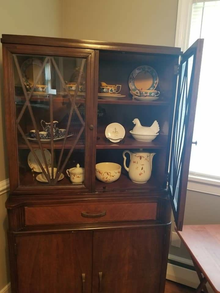 1940s China Hutch Manufactured By Jennings Furniture In Nc Originally Bought At Erworth Richmond Va