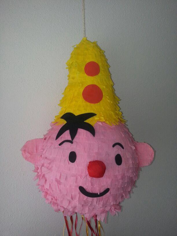 Bumba kinderfeestje #piñata @Emely Hocking van Hoorn Bumba versiering: www.hieppp.nl