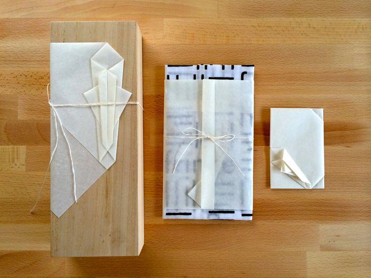 今回習った3種の折形 箱をつつむ 手ぬぐいをつつむ ちいさなものをつつむ