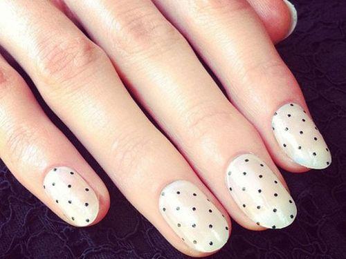 Tiny polka dot manicure #nails