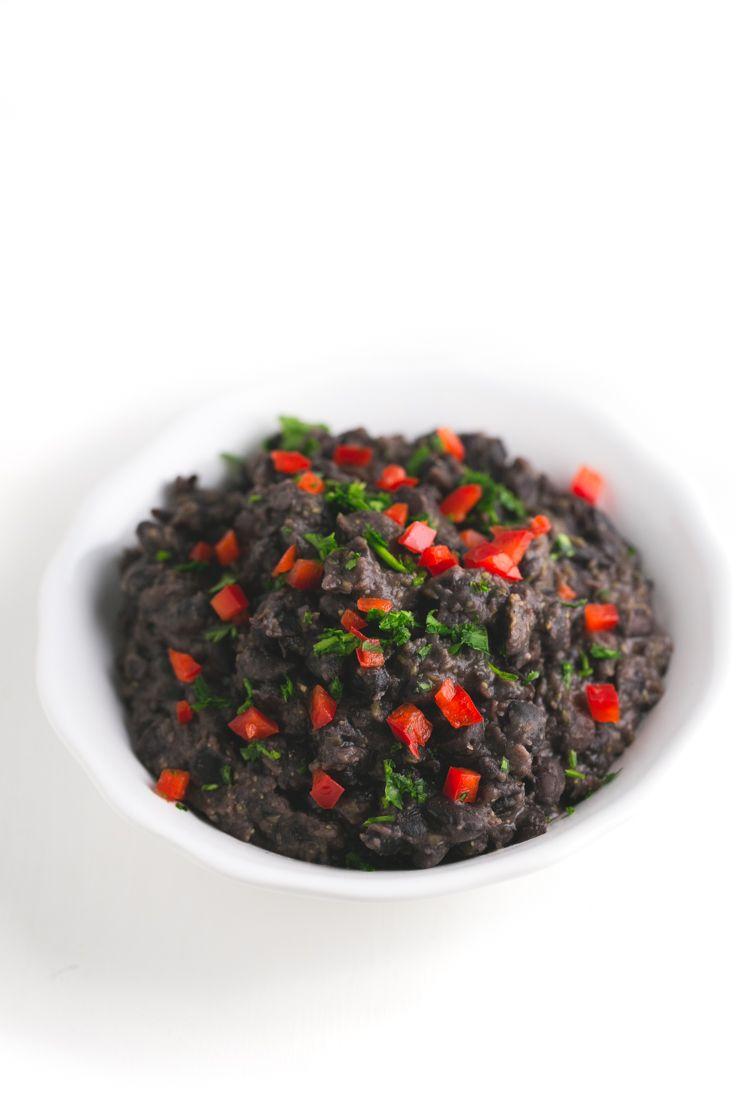 Frijoles negros a la cubana - Esta receta de frijoles negros a la cubana es saludable, rica y perfecta para el día a día porque se prepara en menos de 30 minutos.
