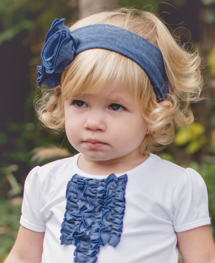Stretchy faux denim headband for your little girl! Perfect shade of blue, and comes in infant and toddler sizes.