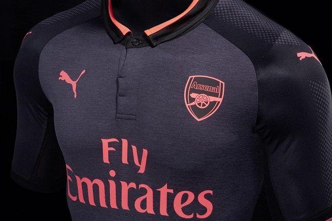 Jakie kluby piłkarskie sponsoruje Puma? • Arsenal Londyn, Borussia Dortmund w portfolio firmy Puma • Wejdź i zobacz listę klubów #arsenal #arsenalfc #puma #football #soccer #sport #sports #pilkanozna #futbol
