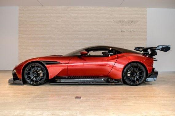 2016 Aston Martin Vulcan | 1412259 | Photo 6 Full Size