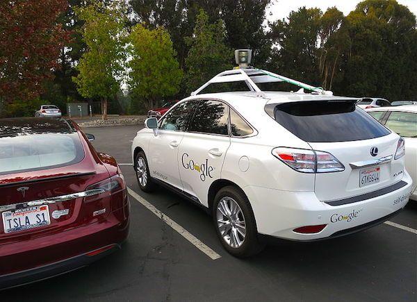 Google: 'Onze zelfrijdende auto's zijn betrokken geweest bij elf ongelukken' - http://visionandrobotics.nl/2015/05/12/google-onze-zelfrijdende-autos-zijn-betrokken-geweest-bij-elf-ongelukken/