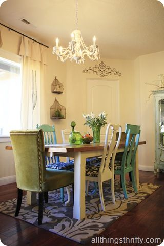 I LOVE mismatched chairs around a dining table!  I'll be doing this when I have my own place. But...I wanna use chairs from both my mom and dads side of the family so they have a little more significance than just mismatched! ❤