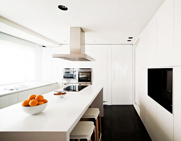 Home Design, Elegant White Painted Vivienda En Arnedo Home Kitchen Idea With Stainless Steel Hood Installed Above Electric Stove: Fantastic Modern Contemporary House Design Ideas With Monochrome Theme