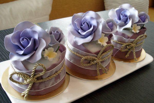 ornate mini cakes