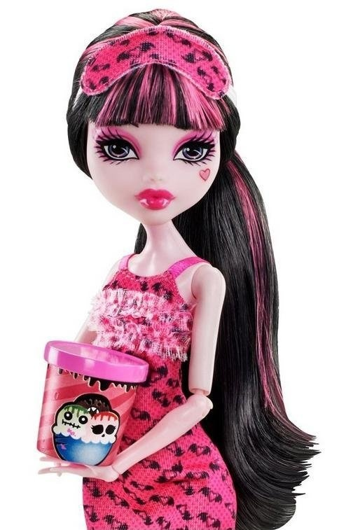 """Nevaehs 1st MH doll! She never begs or throws tantrums, We usually say """"later"""" n she is happy with that, but this doll she actually said """"plz plz plz plz plz"""" no screaming or complaining just lots of plzs lol had to get it for her!"""