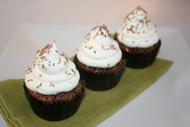 Krissy's Creations: Flourless Chocolate Macadamia Nut Cupcakes