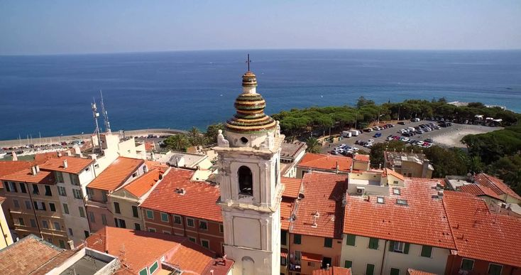 For your holiday in Sanremo / Bordighera the best online travel agency for Liguria is Liforyou: Info: +39.329.8580990 – or - info@liforyou.it