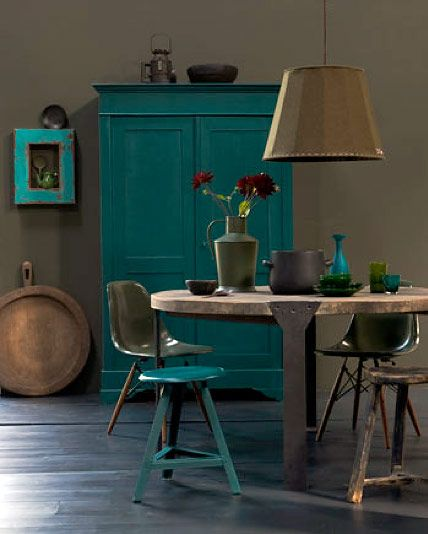 Industrial interior blue green brown taupe: http://www.trendey.com/page/22…
