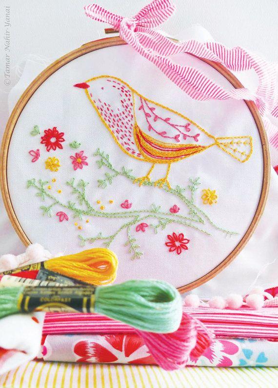 Pájaro en rama, apliques de pájaro, artesanías bordado kit - pájaro amarillo - caseros, kit de bricolaje, kit de bordado moderno, kits de artesanía, regalo diy