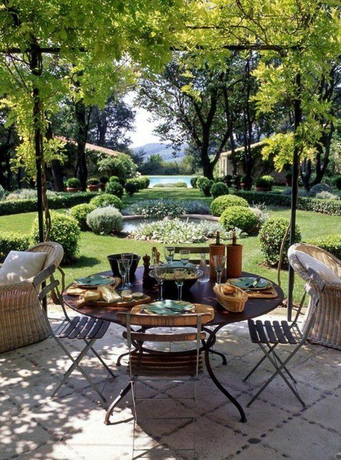 les meubles de jardin de style rustique, décoration de jardin, maison