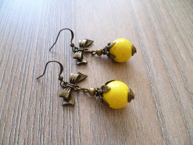 Ohrhänger - Ohrhänger mit  Schleife und Howlith   - ein Designerstück von Flinke-Perle bei DaWanda