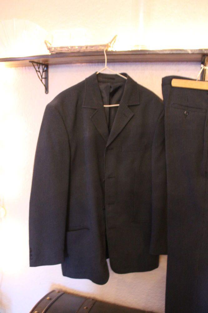 Costume homme noir fines rayures comme neuf DEJA ENCHERI A 1 EURO