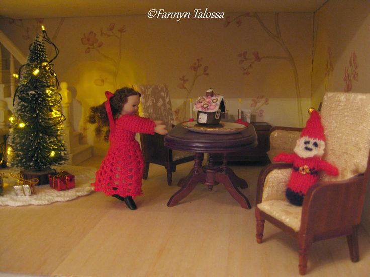 Preparing for Christmas in the dollhouse. The miniature tree is a genuine Riviera Maison, crochet dress and knit elf are self made