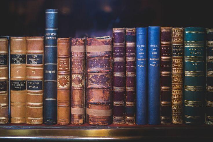 """Îmi plac acest tip de postări de tip """"wishlist"""" şi cum cărţile sunt una din pasiunile mele, mi-am..."""