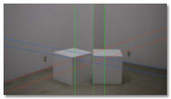 スタジオの中にサイコロ(木でできた立方体)を置き、写真を撮る。
