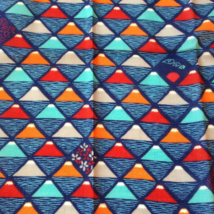 Tenugui, Blue tenugui, Japanese traditional pattern Mt.fuji, wrapping cloth, Japanese cotton fabric, tapestry, tenugui gift, FREE SHIPPING by SmithjackJapan on Etsy https://www.etsy.com/uk/listing/204858189/tenugui-blue-tenugui-japanese