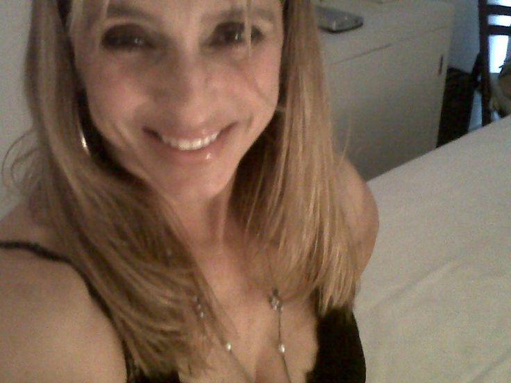http://macmagazine.com.br/2013/09/16/livro-gratis-da-semana-coisa-de-mulher-escrito-por-beth-valentim/Inegociável, Happiness