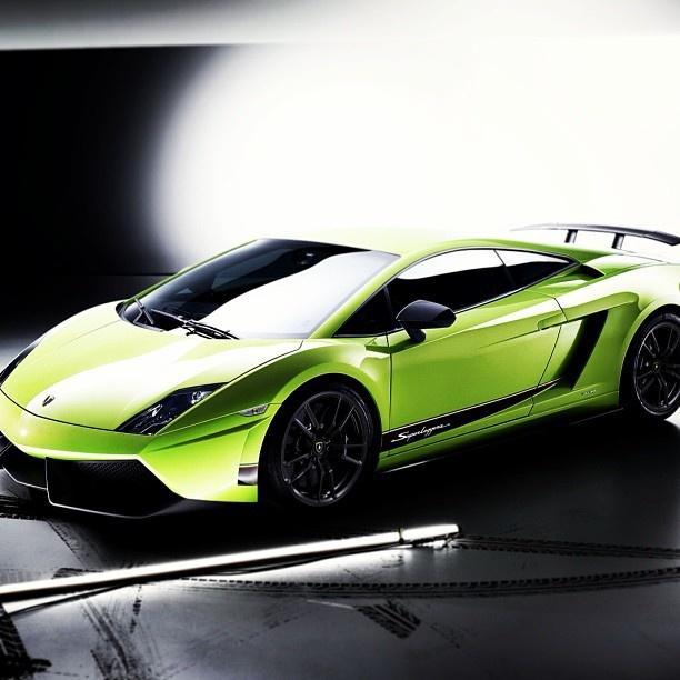 Awe-inspiring Lamborghini Superleggera