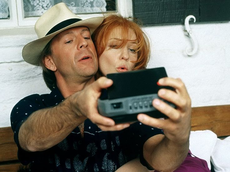 """Bandits"" movie still, 2001. L to R: Bruce Willis, Cate Blanchett."
