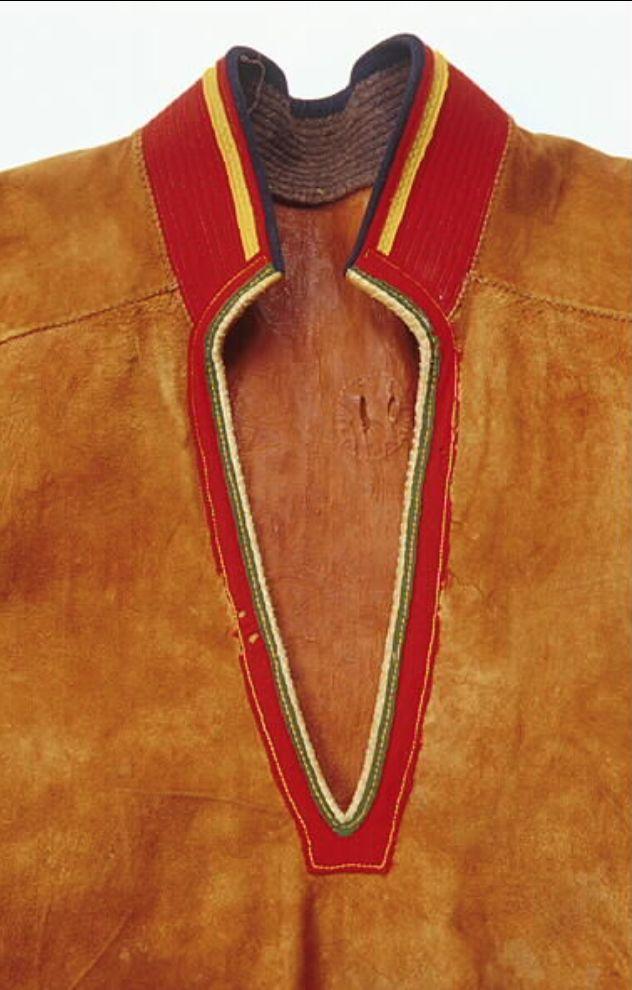 Lulesamisk skinnkolt sydd av Stina Kuoljok 1940-talet. Vaisaluokta