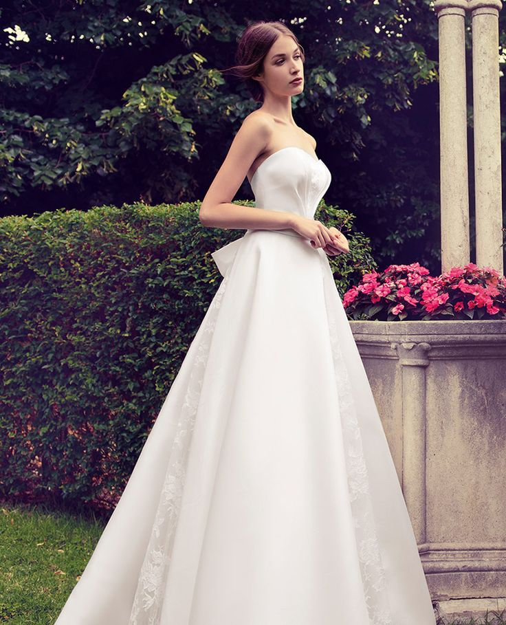 Collezione Sposa 2018 – Giuseppe Papini | A-line wedding dress made of silk with tulle bolero covering the shoulders - Discover more on http://www.giuseppepapini.com/