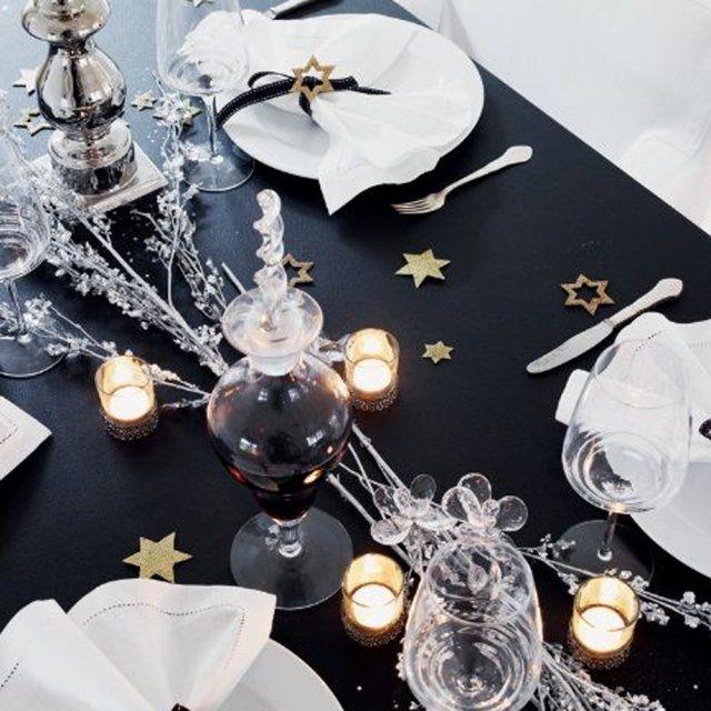 Une table de f te noire et blanche christmas no l - Table noir et blanche ...
