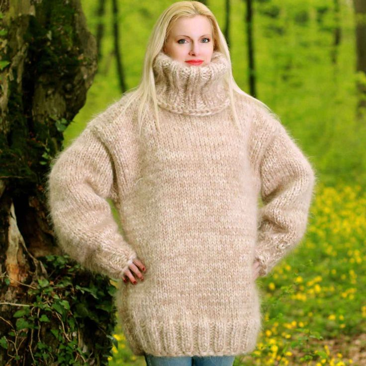 Big and heavy hand knitted sweater in beige and white, size S, M, L, XL