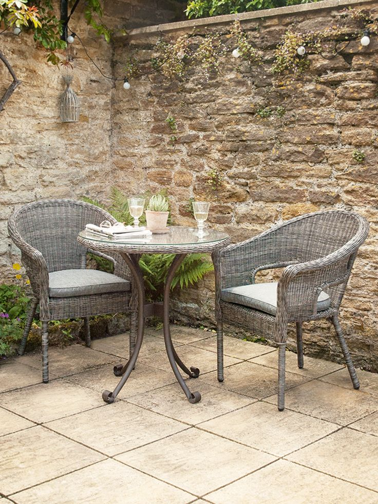 Superb NEW Roma Bistro Set