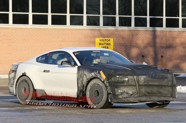 Ford Mustang GT350 drops some camo