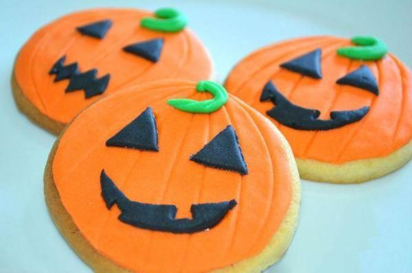 Como fazer biscoitos em forma de abóbora para o Halloween