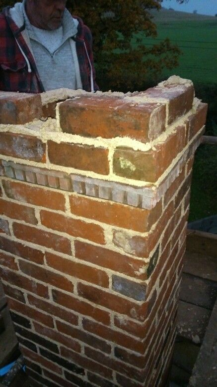 Finishing the chimney with a dental course.